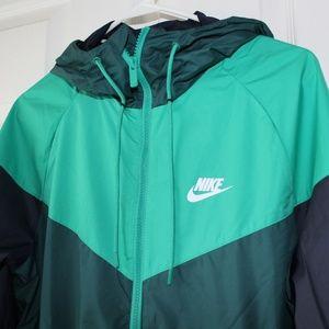 ca089b3b53e4 Nike Jackets   Coats - Nike Sportswear Windbreaker